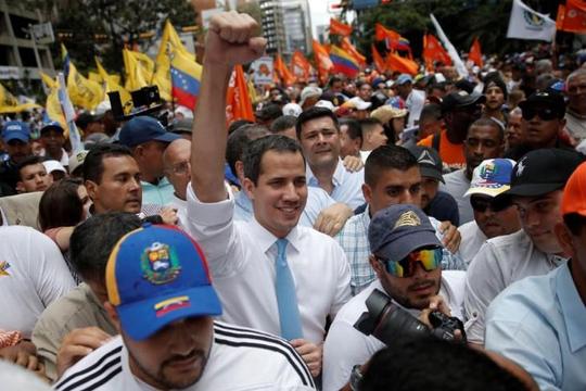 Cảnh sát Venezuela trấn áp đoàn biểu tình dẫn đầu bởi Thủ lĩnh phe đối lập Guaido