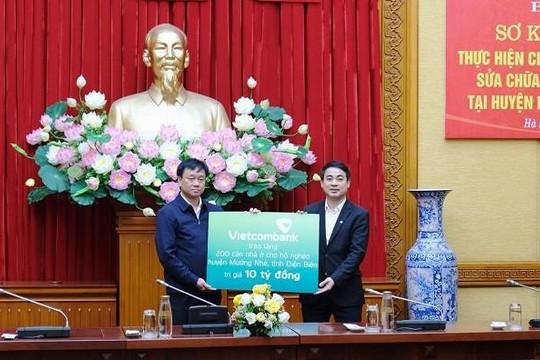 Vietcombank trao 10 tỉ đồng hỗ trợ cho 200 hộ nghèo tại huyện Mường Nhé, tỉnh Điện Biên