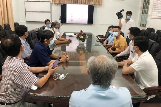 Giám đốc BV Chợ Rẫy dẫn đội phản ứng nhanh lên Tây Ninh chống dịch COVID-19