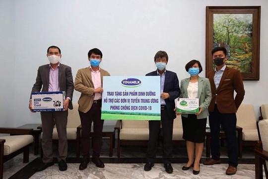 Vinamilk ủng hộ gần 15 tỷ đồng tiếp sức các đơn vị tuyến đầu cả nước chống dịch