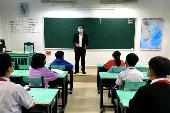 Học sinh Huế mang kiến thức học online quay lại trường
