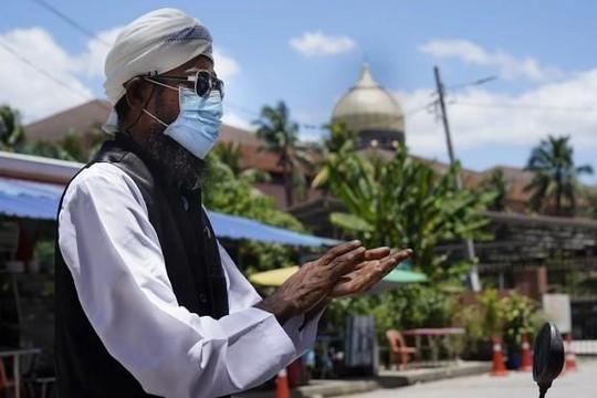 Malaysia ghi nhận mức tăng ca nhiễm COVID-19 kỷ lục