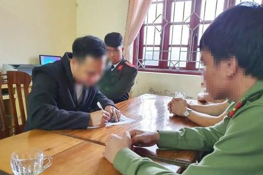 Triệu tập 2 người đàn ông uống rượu say tung tin COVID-19 về đến Hà Tĩnh