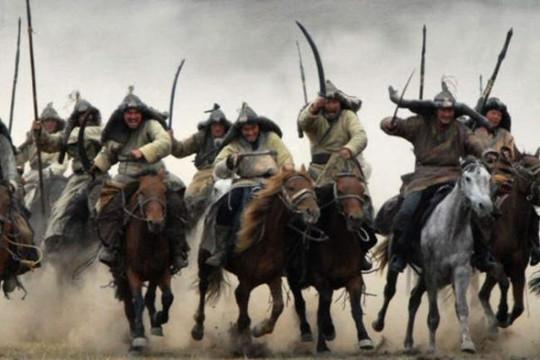 Ngựa Mông Cổ hý vang biên giới, vua Trần thân chinh xuất chiến