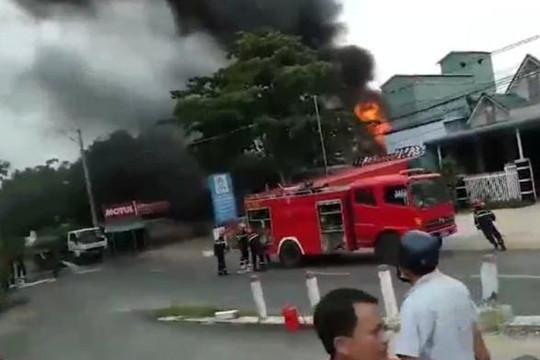 An Giang: Nạn nhân thứ 2 bỏng cấp độ 3 trong vụ xe bồn bốc cháy đã qua đời