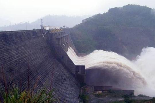 Ai gây nên thảm họa lũ lụt miền Trung?