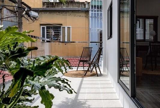 Ngôi nhà cấp 4 ở Hà Nội xuống cấp hóa thành không gian sống hiện đại nhờ cải tạo cầu thang