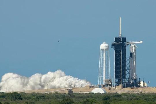 NASA hoãn phóng tàu vũ trụ Crew Dragon lên trạm ISS