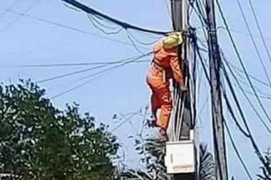 Cà Mau: Vô ý, một thợ điện tử vong khi đang sửa điện