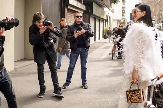 Bà Lê Hồng Thủy Tiên diện trang phục lộng lẫy gây chú ý tại Milan Fashion Week 2019