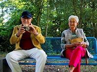 Thái độ sống tích cực giúp phụ nữ trung niên phòng ngừa chứng sa sút trí tuệ