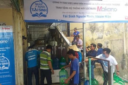 Hỗ trợ 3 máy lọc nước mặn thành ngọt cho người dân vùng hạn hán