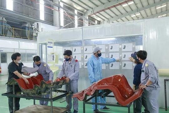 THACO xuất khẩu khung ghế composite cho hãng RECARO của Nhật