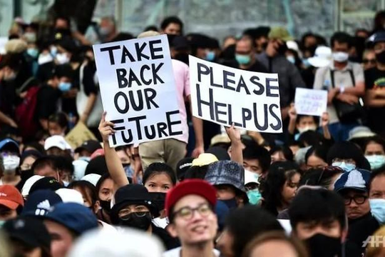Thái Lan: Bất chấp COVID-19, hơn 10.000 người biểu tình phản đối chính phủ