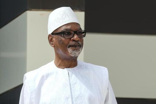 Tổng thống Mali từ chức sau khi bị quân đội bắt giữ, quốc tế phản ứng