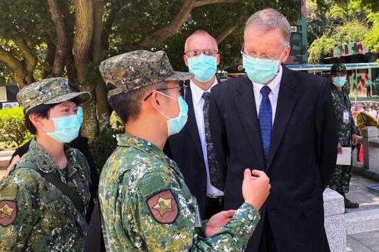 Mỹ chọc giận Bắc Kinh về vấn đề Đài Loan nhân kỷ niệm 'Pháo chiến Kim Môn'
