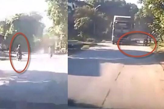 Clip tổ lái lấn làn, phóng như bay vào đầu xe bồn khiến người ngồi sau tử nạn