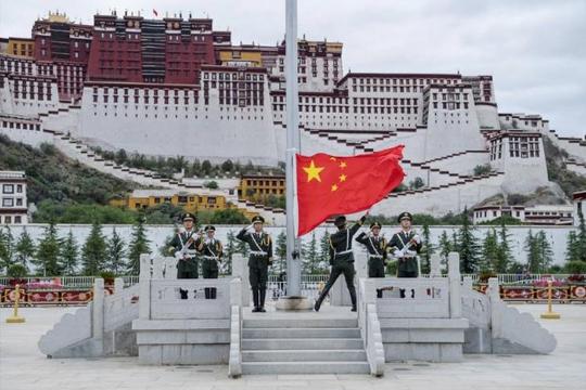 Trung Quốc đầu tư 146 tỉ USD ở Tây Tạng, tăng cường an ninh biên giới