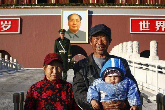 Trung Quốc đối mặt khó khăn khi dân số sẽ chỉ còn lại một nửa vào năm 2100