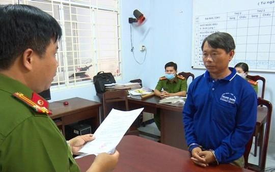 An Giang: Bắt người đàn ông sản xuất thuốc BVTV giả