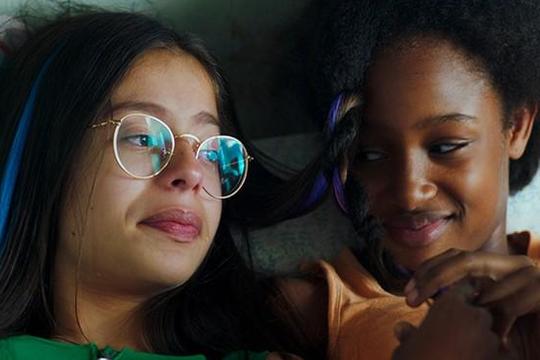 Tranh cãi xoay quanh phim Cuties: Càng bào chữa, Netflix càng gây phẫn nộ
