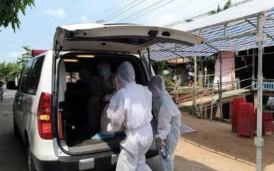 Cách ly nhóm người đưa quan tài người chết từ Campuchia về An Giang