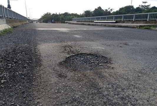 Cần Thơ: Đường mới xây ngốn hơn 540 tỉ đồng, mới thông xe 1 năm đã xuống cấp