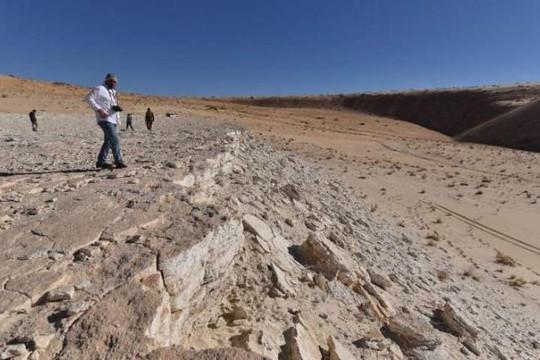 Phát hiện dấu chân người có niên đại 120.000 năm ở Ả Rập Xê Út