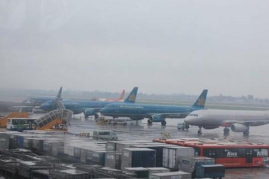 Hôm nay 18.9: Hủy hàng loạt chuyến bay vì bão, tái khởi động bay quốc tế