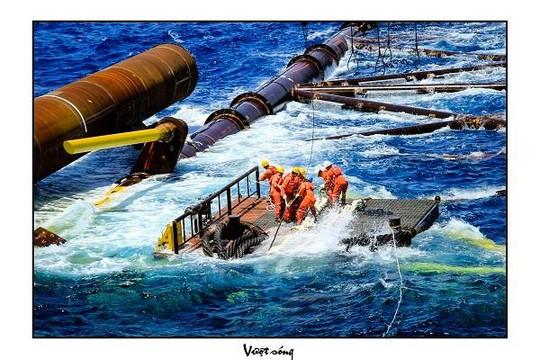 Ngành dầu khí trước sóng gió của 'khủng hoảng kép'