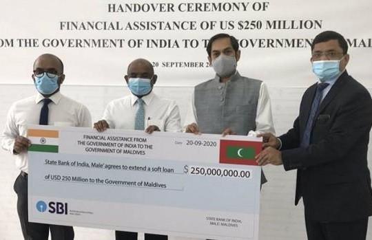 Cạnh tranh với Trung Quốc, Ấn Độ cho Maldives vay 250 triệu USD