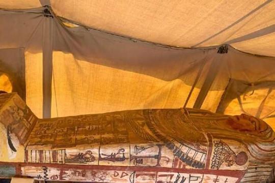 Ai Cập phát hiện thêm 14 quan tài 2.500 năm tuổi tại Saqqara