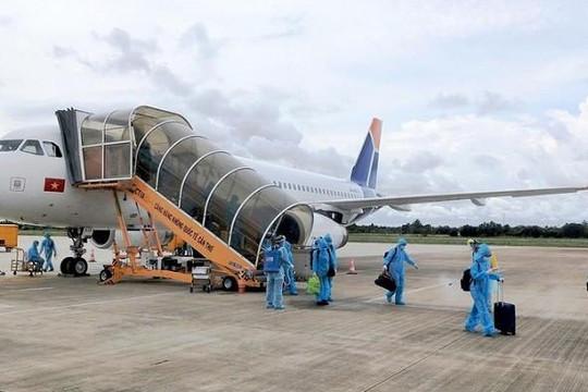 Bay quốc tế mùa dịch: Các chuyến bay phải đáp ứng yêu cầu gì khi hạ cánh tại Việt Nam?