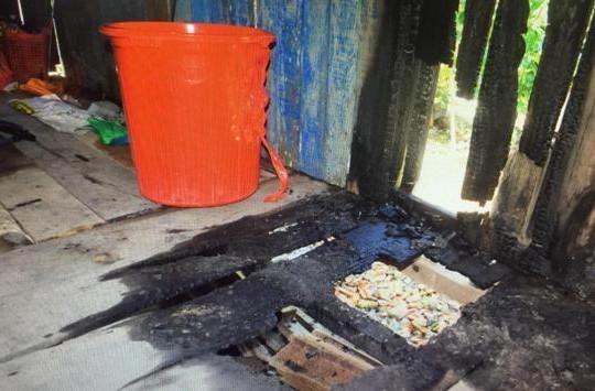 Tiền Giang: Giữa đêm nhà bị đốt, nước trong lu bị bỏ thuốc trừ sâu