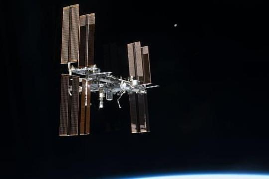Trạm ISS điều chỉnh quỹ đạo khẩn cấp để tránh rác không gian