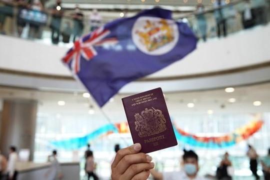 Số người Hồng Kông xin hộ chiếu Anh tăng vọt