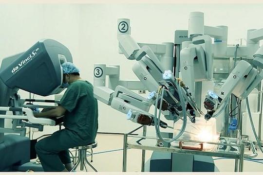 Từ vụ đội giá robot ở BV Bạch Mai, bàn về robot trong BV tại TP.HCM: Giá cũng cao ngất