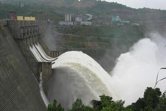 Hỏa tốc yêu cầu thủy điện Hòa Bình xả lũ vào sáng 30.9