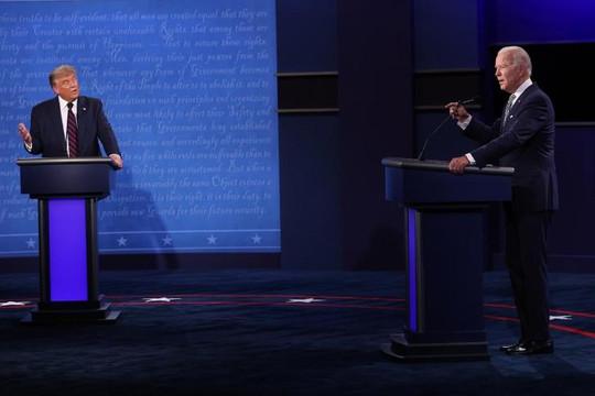 Tranh luận cuộc đua Tổng thống Mỹ kết thúc: Ông Trump lấn lướt đối thủ Biden
