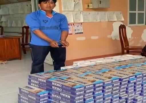 An Giang: Ham 1 triệu đồng tiền công, bị khởi tố vì vận chuyển thuốc lá lậu