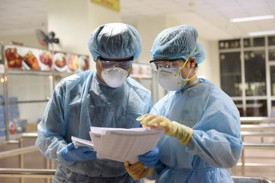 Thêm 3 người nhập cảnh mắc COVID-19, Việt Nam có 1.144 bệnh nhân