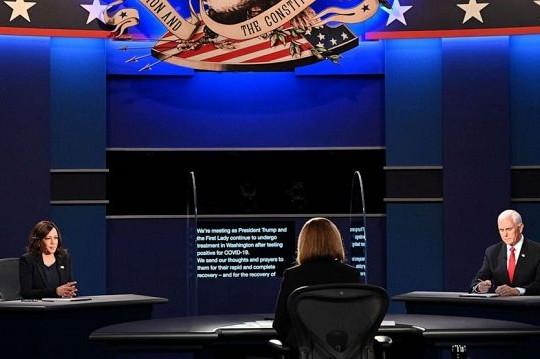 Tranh luận Phó tổng thống Mỹ xoay quanh vấn đề COVID-19
