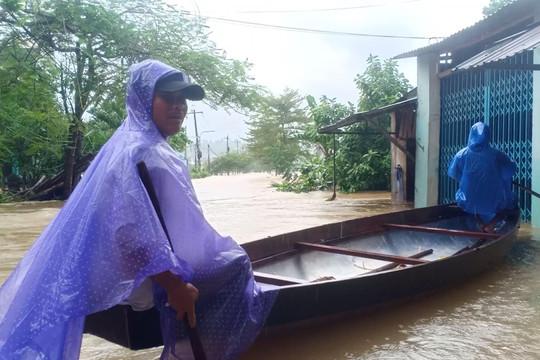 Đà Nẵng, Quảng Nam sơ tán hơn 1.200 hộ dân khỏi các khu vực nguy hiểm