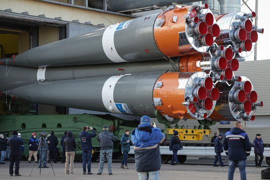 Nga đưa phi hành gia lên Trạm Vũ trụ Quốc tế nhanh chưa từng thấy