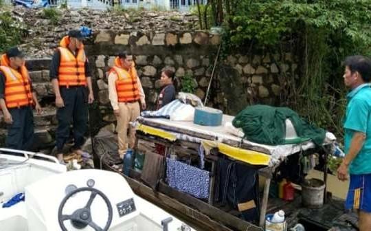 An Giang: Công an cứu cặp vợ chồng gặp nạn trên sông lúc đêm khuya