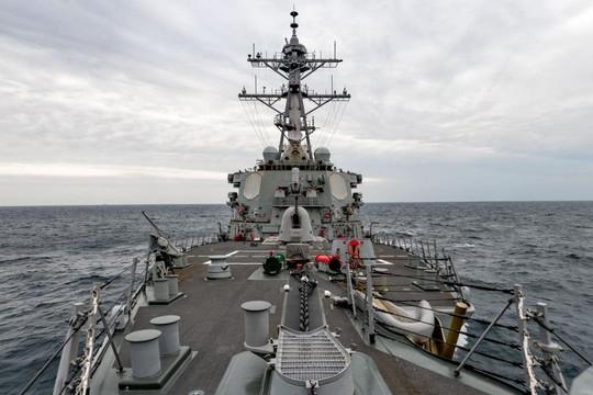 Chiến hạm Mỹ đi qua eo biển Đài Loan, Trung Quốc 'tức tối' phản ứng