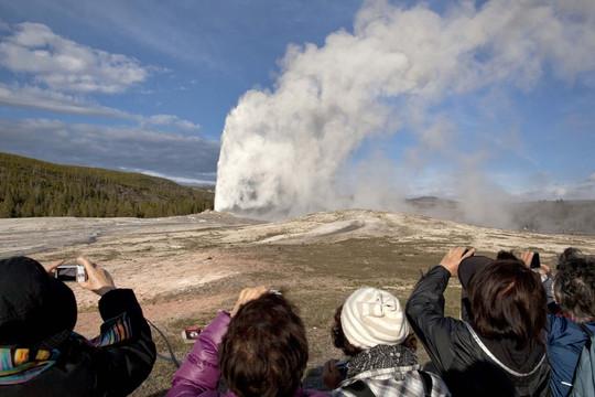 """Mạch nước phun nổi tiếng ở Yellowstone có thể """"ngủ yên"""" sau 800 năm hoạt động"""