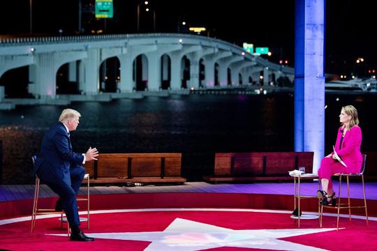 Màn đấu khẩu mới giữa Donald Trump và  Joe Biden
