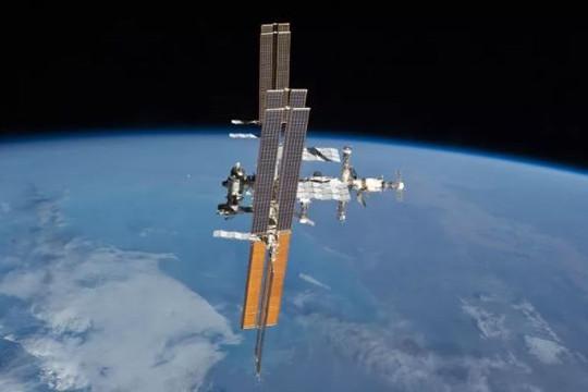 Các phi hành gia khắc phục sự cố rò rỉ không khí trên trạm ISS