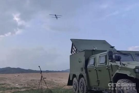 """Trung Quốc thử nghiệm UAV cảm tử tấn công """"bầy đàn"""""""